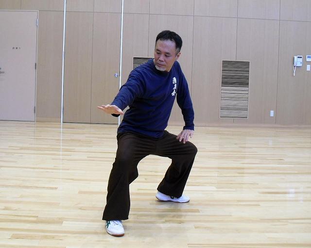 福岡で太極拳や八卦掌などの中国武術(カンフー)を専門に指導する福岡伝統太極拳 湧泉会の指導員の写真