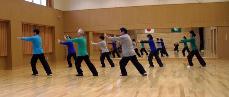 会員の楊式太極拳の演武写真