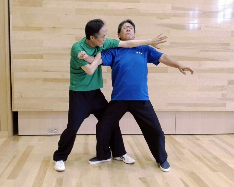 陳式太極拳 単鞭の用法例の写真