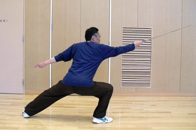 陳氏太極剣の斜飛勢の写真